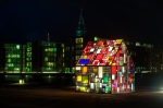 tom fruin sculpture - kolonihavehus